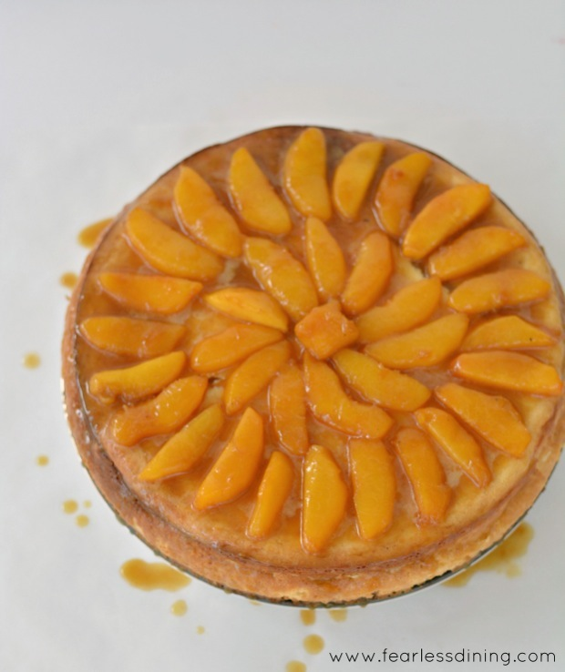 Vanilla-Bean-Cheesecake with Peaches