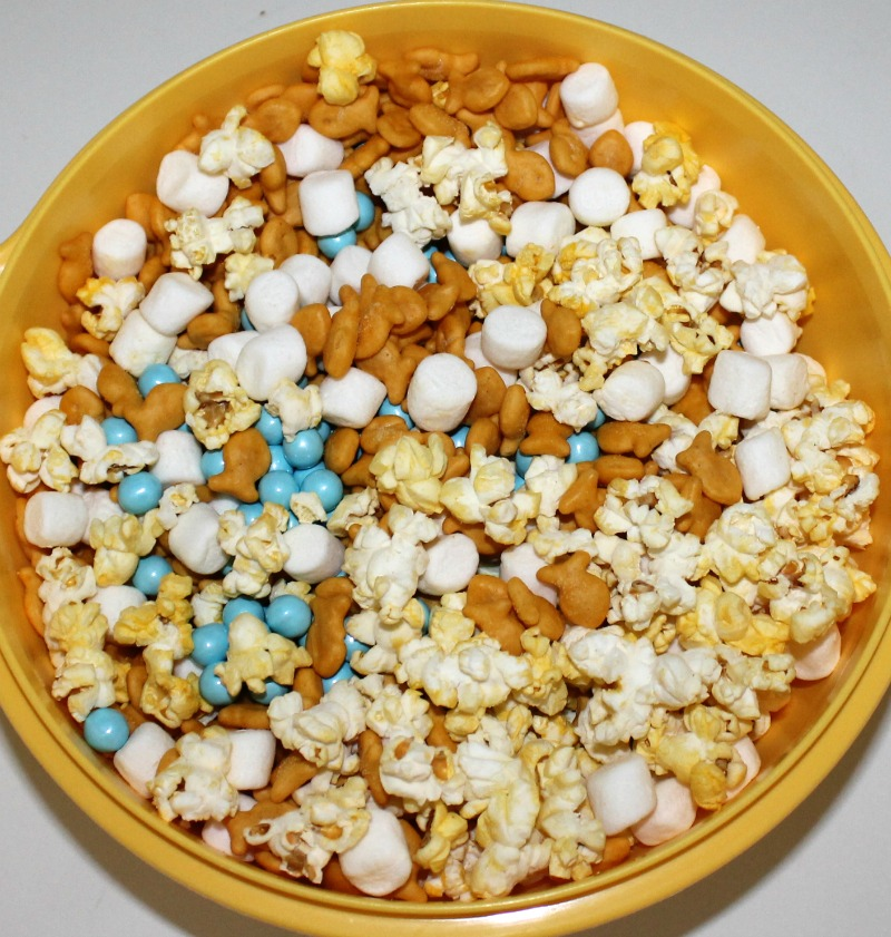 ... mix snack mix recipe goldfish cracker snack mix salty christmas snack