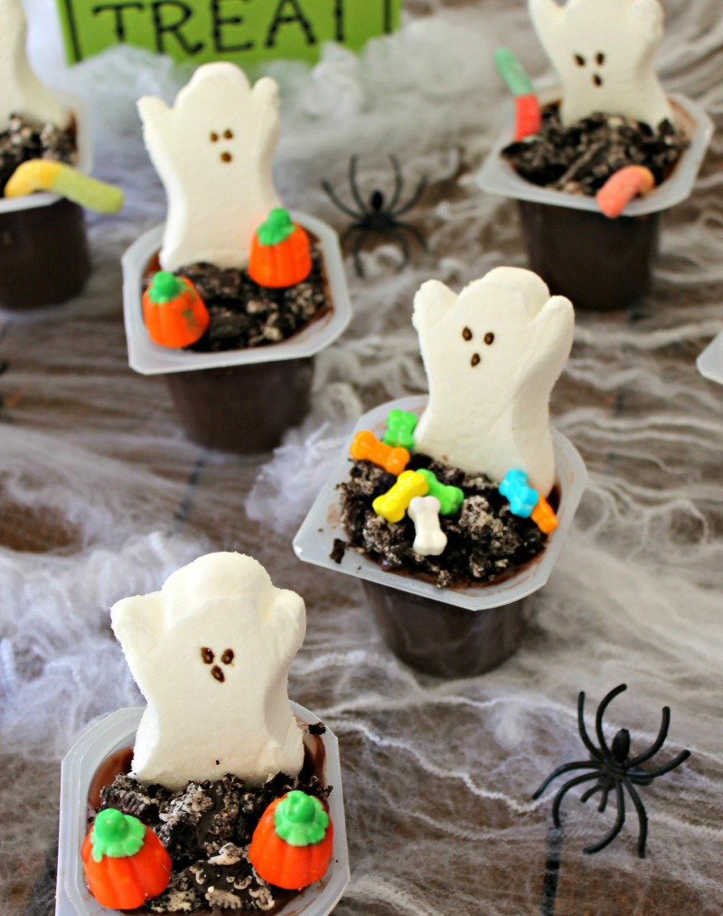 spooky halloween graveyard pudding cups - Pudding Halloween Desserts