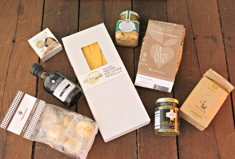 items-in-the-italy-try-the-world-box