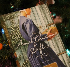 An Amish Christmas Gift Review and Giveaway