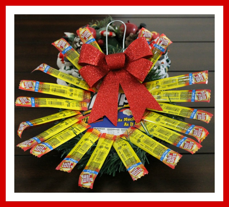 Slim Jim Holiday Wreath Snacking
