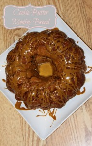 Tasty Cookie Butter Monkey Bread – 30 Days of #ChristmasSweets