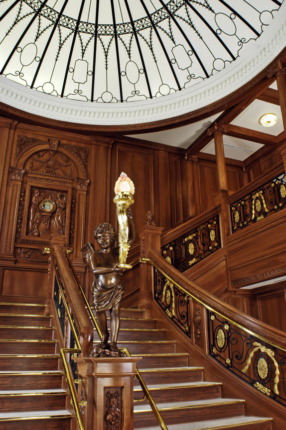 titanic-grand-staircase02sm